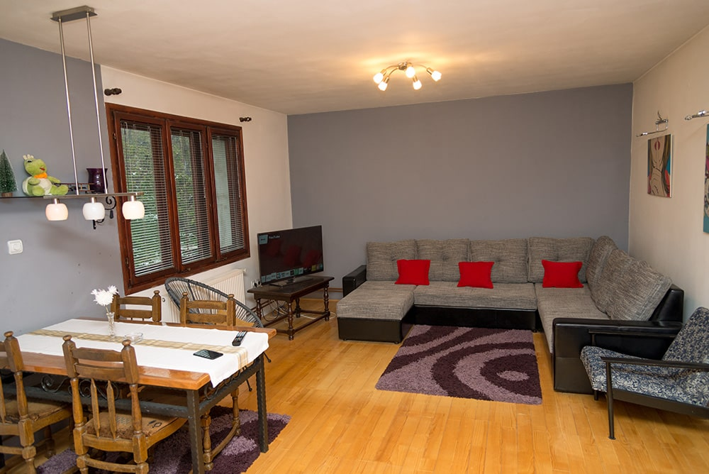 Kuća u Šumi, Wi Fi, Privatni parking, 2 sobe, Kablovska tv