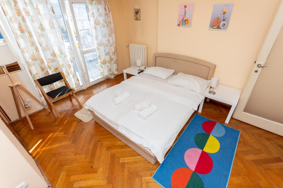 Apartman Trg Partizana, Glavna Ulica