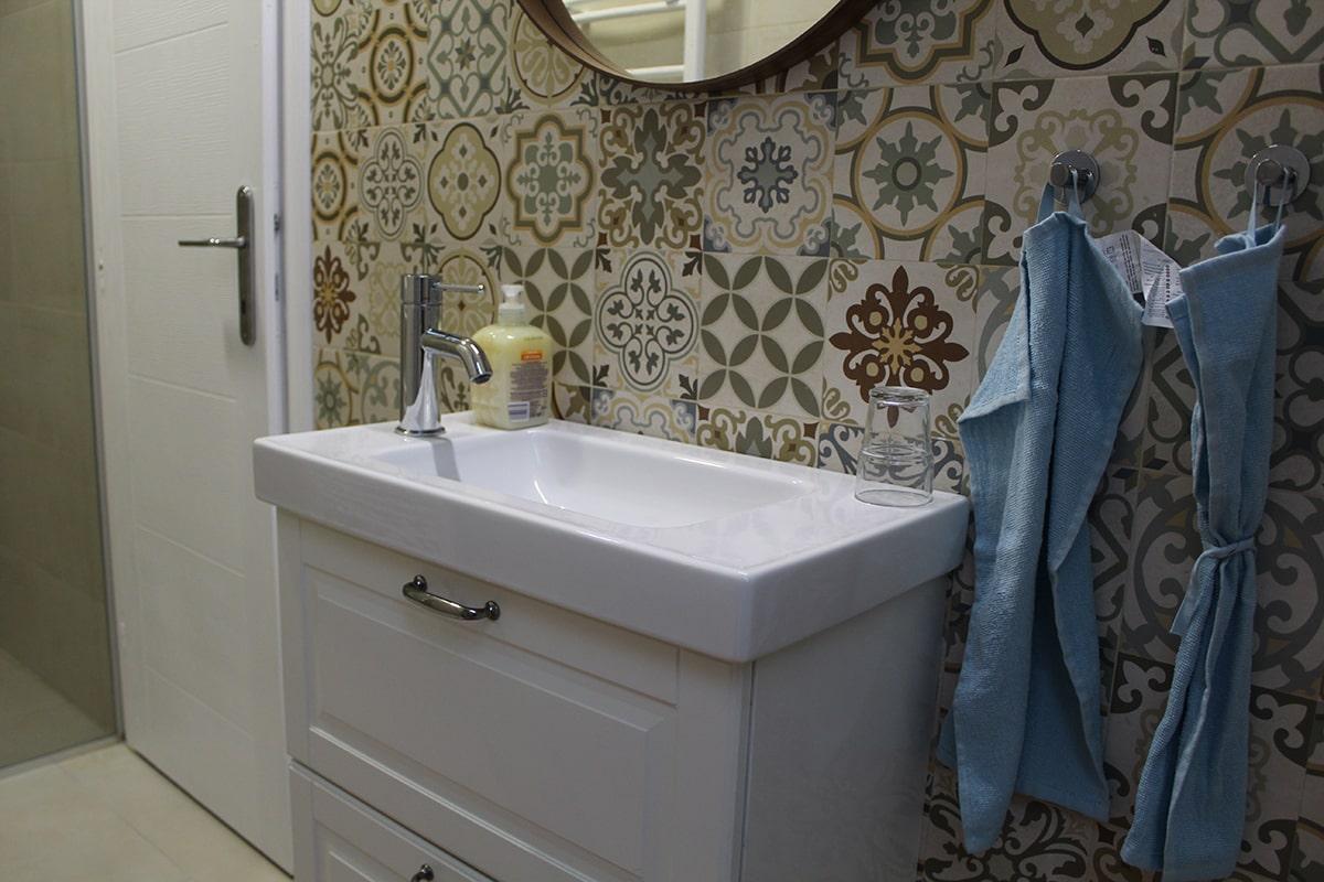 umivaonik ikea u kombinaciji sa spanskom keramikom